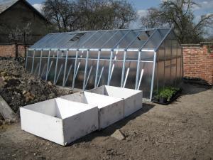 Nádrže a skleník